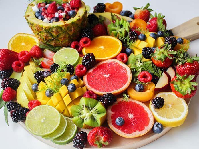 Ile dziennie powinniśmy jeść owoców i warzyw?