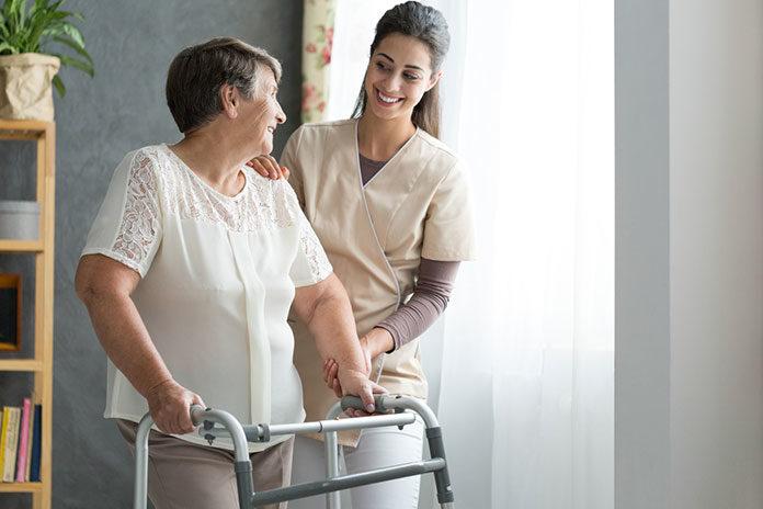 Sprzęt, który ułatwia poruszanie się: laski, rolatory i balkoniki ortopedyczne